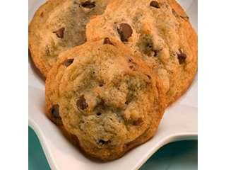 HERSHEY'S Classic Chocolate Chip Cookie