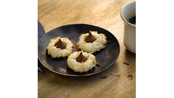KISSES Coconut Macaroon Blossoms