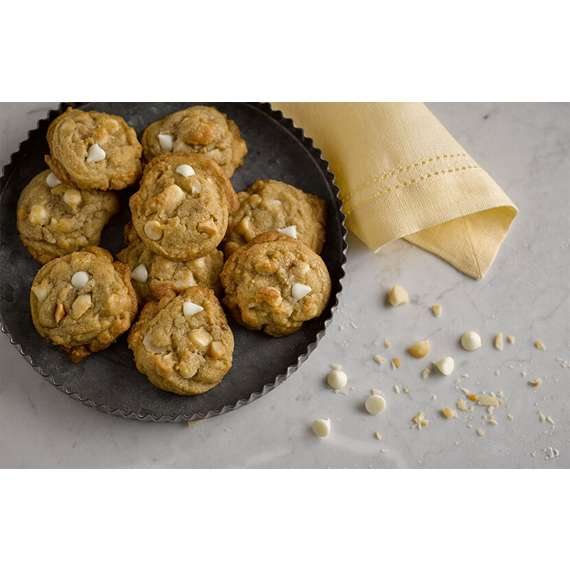 HERSHEY'S Premier White Chips And Macadamia Pieces Cookies
