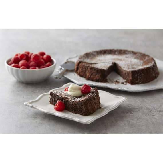 Classic Chocolate Flourless Cake