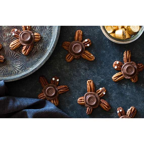 ROLO Turtle Cookies