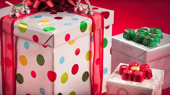 HERSHEY'S Candies Holiday Wrapped Packages