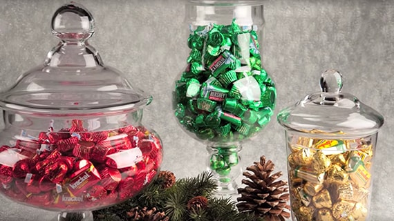 HERSHEY'S Holiday Centerpieces