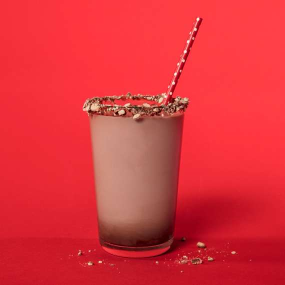 WHOPPERS Chocolate Milk with Malted Rim